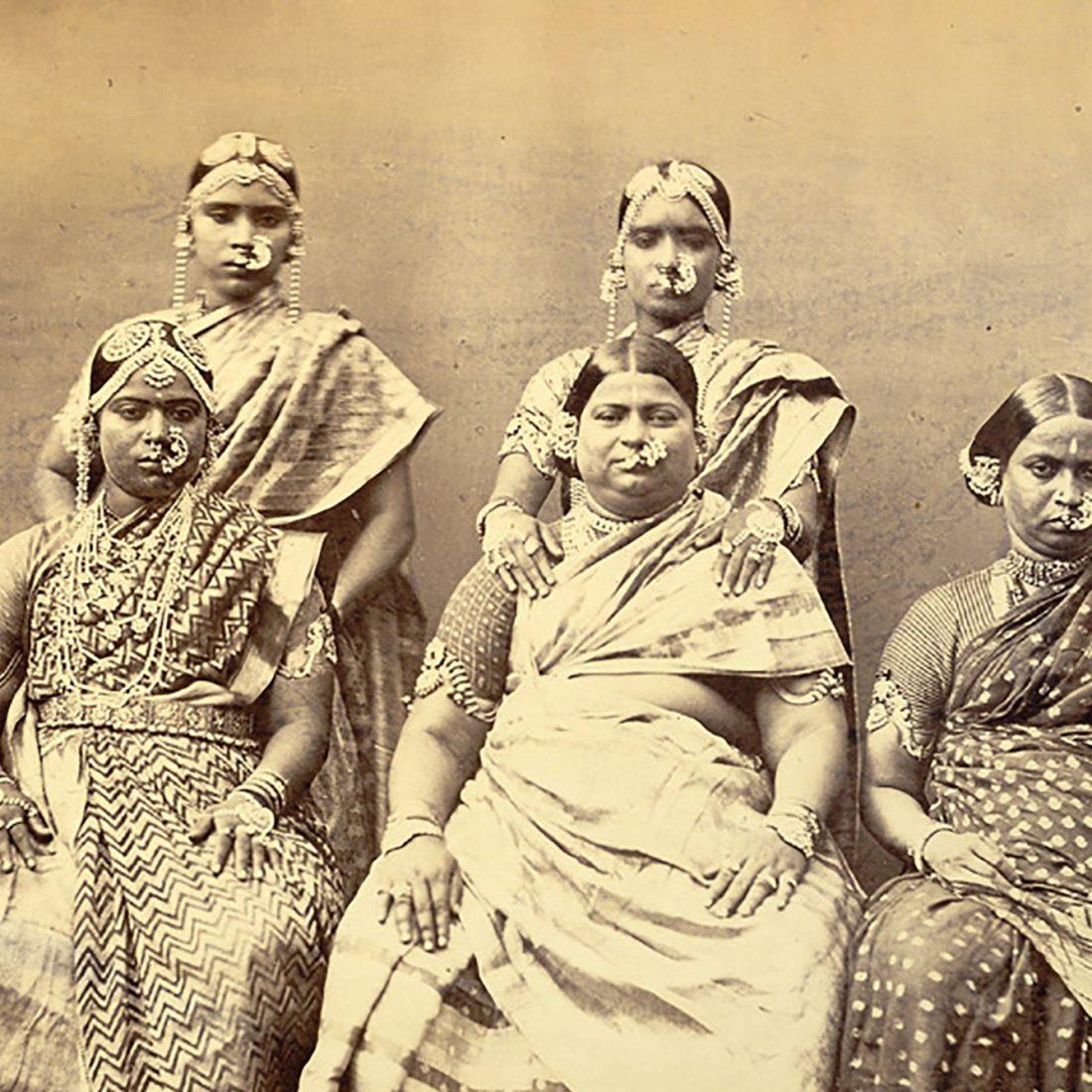 women wearing jewellery 1100x1100